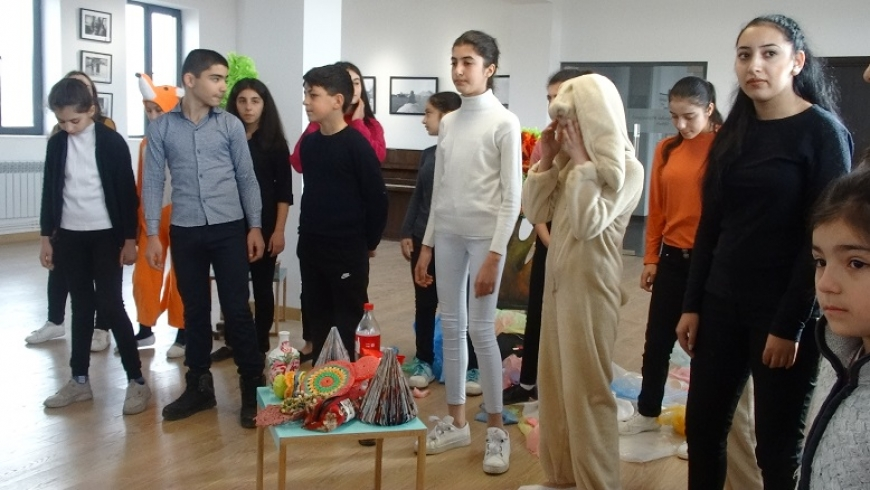 Interactive performance in Saghmosavank on Environmental Issues